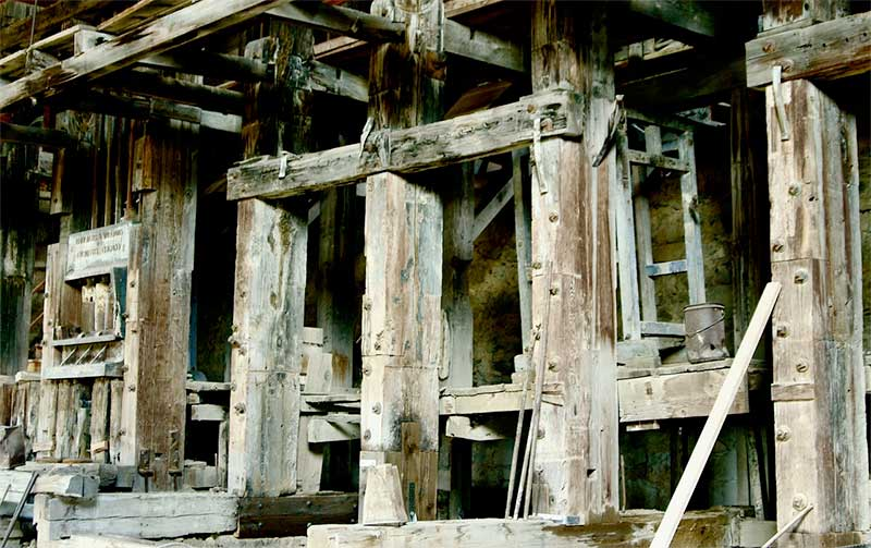 metal mining shaft