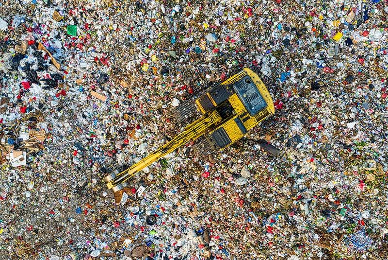 landfill image L.A. scrap metal company