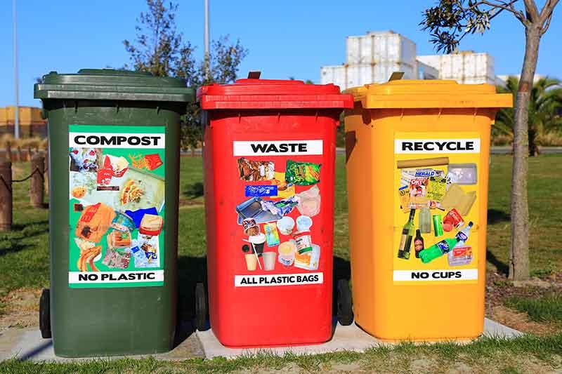 Los Angeles California recycling center bins